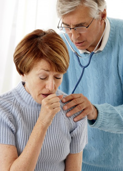 Keuchhusten bei Erwachsenen - hoch ansteckendes Risiko für Säuglinge und Kleinkinder