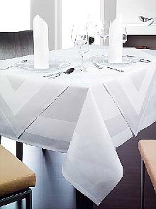 Hotelwäsche Völcker bietet Profi-Tischdecken für Feier und Event