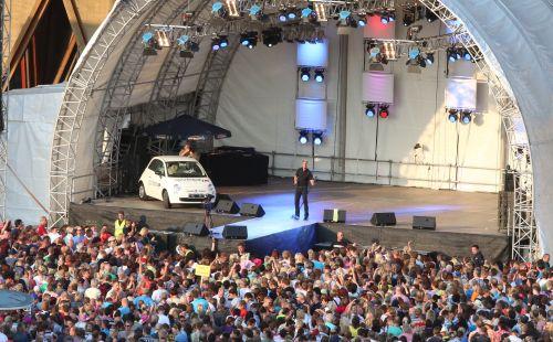 Sparhandy.de präsentiert das große Kölsch-Musik-Festival Colonia Olé