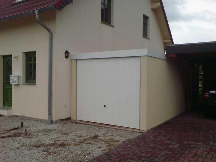 Grenznaher Garagenbau ohne Sichtbehinderung