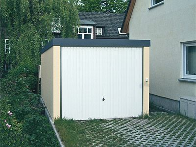 Ist die Garagenzufahrt vor den Exklusiv-Garagen groß genug?