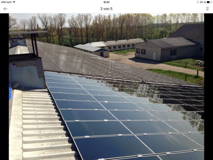 Photovoltaik-Anlagen benötigen regelmässig eine professionelle Solarreinigung vom Fachmann