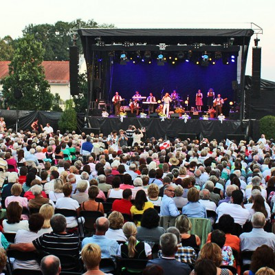 Cooler Sound und heißes Wasser - Sommerkonzerte in der Bad Griesbach-Therme