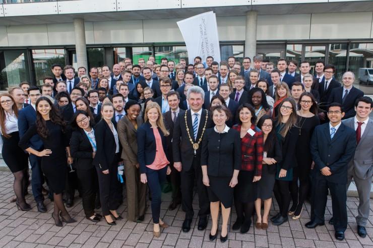 107 neue Studenten aus 23 Ländern: HHL läutet Frühjahrssemester 2015 ein