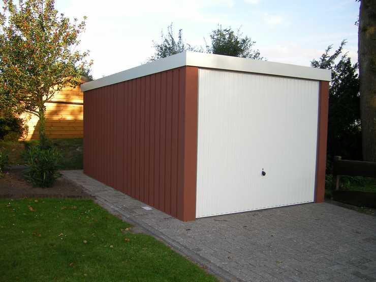Garagenrampe.de: Kinder vor Garagentoren