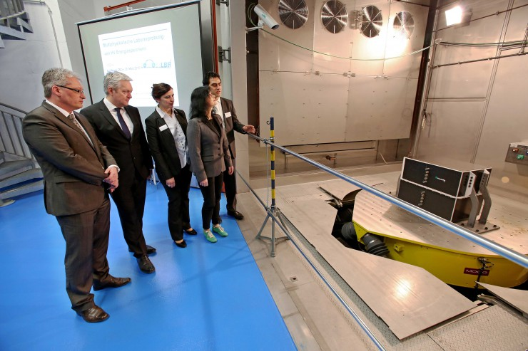 Forschung für nachhaltige Mobilität - Zentrum für Systemzuverlässigkeit / Elektromobilität ZSZ-e eröffnet