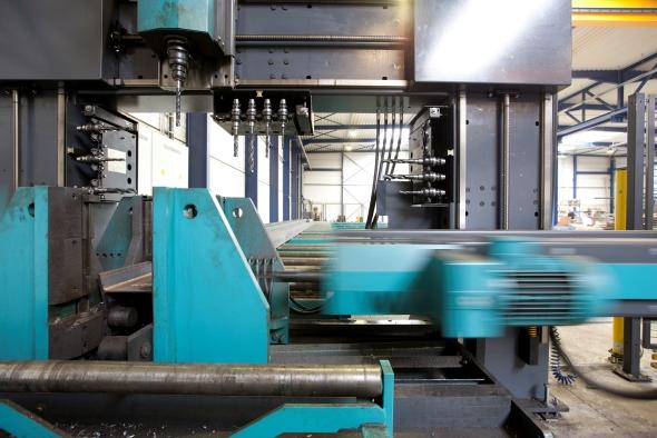 Wie kreatives Stahlbau-Know-how aus Brehna Öl-Scheichs, Filme-Macher und Achterbahn-Fans glücklich macht
