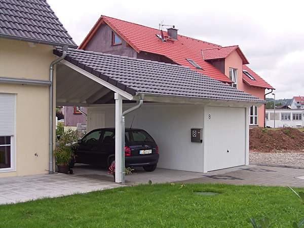 Zweckmäßige Garagentore für Exklusiv-Garagen