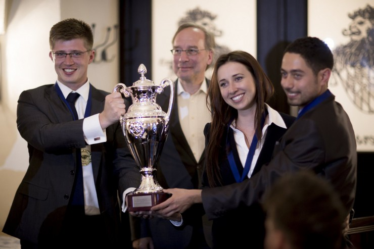 Weltmeisterschaft in Verhandlungsführung: HHL Leipzig Graduate School of Management holt den Titel