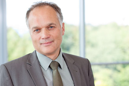 SoftconCIS: Geschäftsführer Werner Güntner Dozent bei Masterstudiengang Einkauf und Logistik/Supply Chain Management der Technischen Hochschule Nürnberg