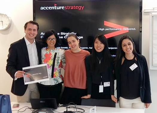 HHL-Student gewinnt Finale der Accenture Strategy Global Case Challenge in London