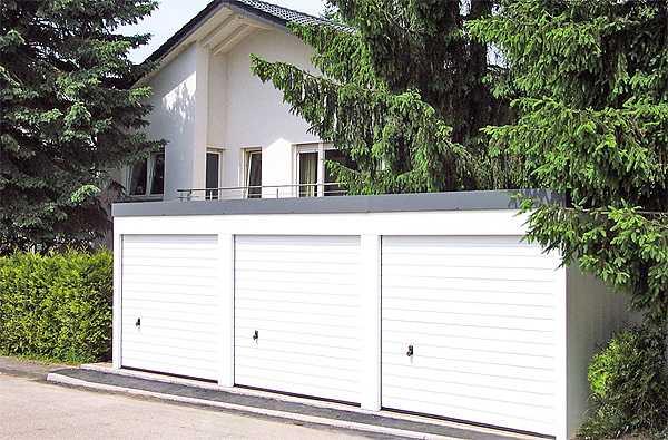 MC-Garagen und freie Parkplätze