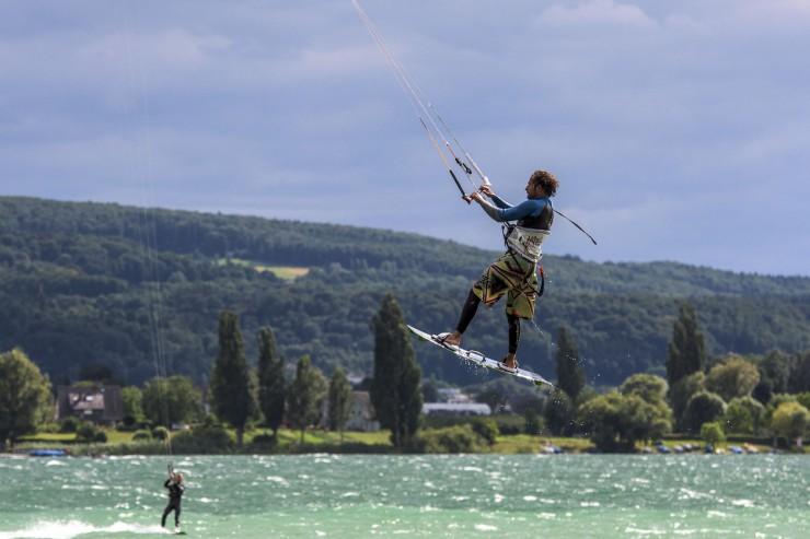 Der westliche Bodensee lässt sich mit Schiff oder Kanu oder Stand-up-Paddleboard perfekt erkunden
