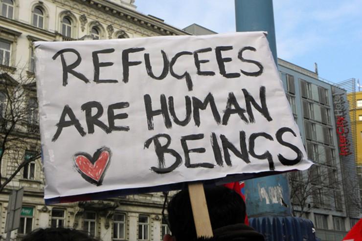 EU-Abgeordnete besuchen Flüchtlings- und Migrantenlager bei Calais