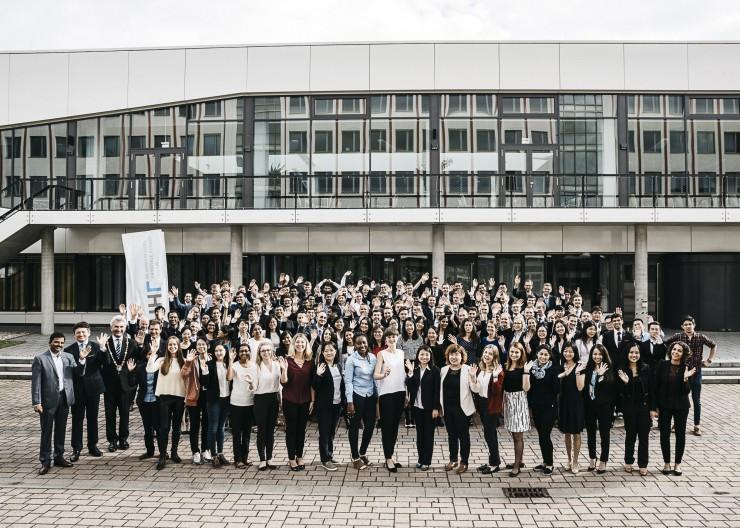 Wir sind die neuen HHLer! HHL-Immatrikulation mit mehr internationalen und weiblichen Studierenden