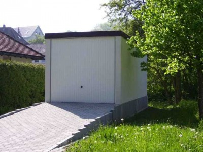 Exklusiv-Garagen und Wespennester