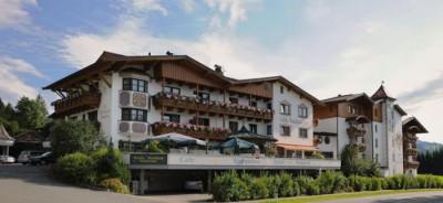 Verzaubern und verwöhnen lassen im **** Hotel Sonneck in Kössen