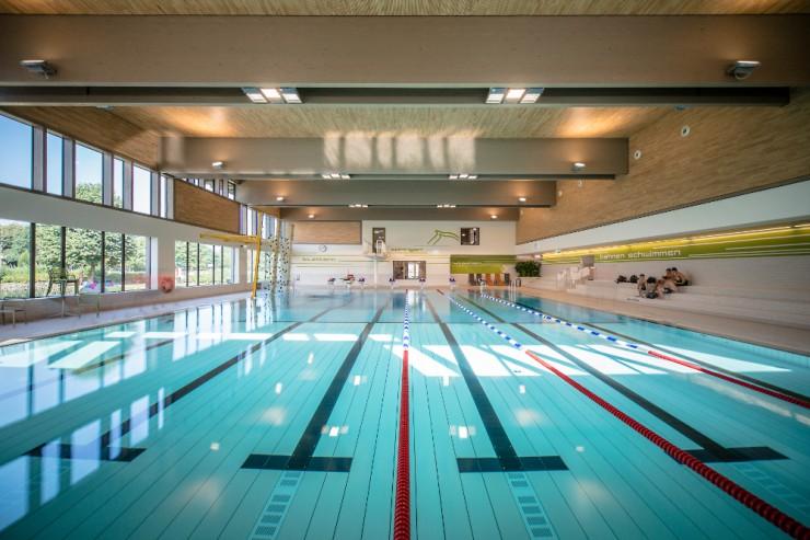 Nachhaltige Klimatisierung von Schwimmbädern