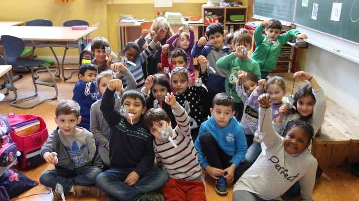 Sicher zur Schule mit den BLINKIS der Barmenia