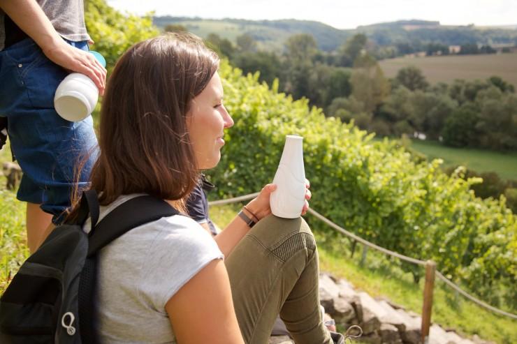 Erstes Design-Produkt der Thüringer Tischkultur auf dem Markt: Hochwertige Porzellanflasche Tavolina ab sofort im Shop der Eschenbach Porzellan Group erhältlich