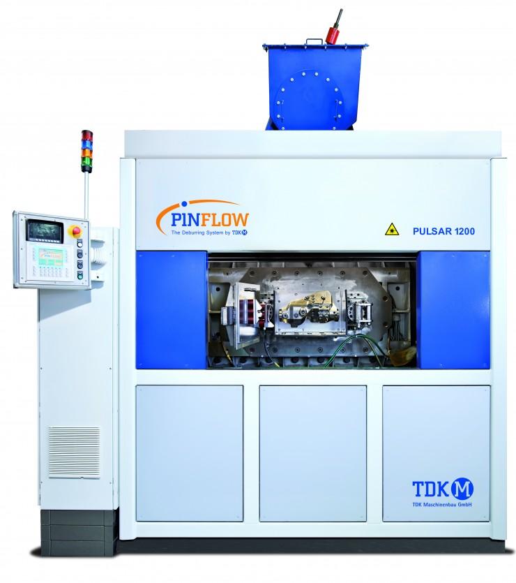 Saubere Teile  Effizientes Verfahren: TDK Maschinenbau stellt Reinigungs- und Entgratanlage PINFLOW auf der EUROGUSS 2018 vor