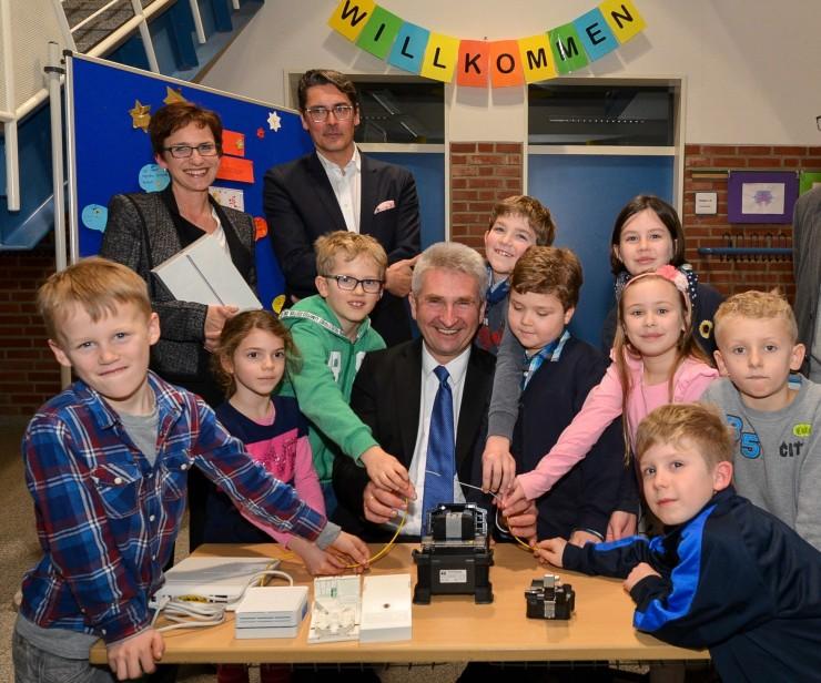 NRW-Minister Pinkwart zum Glasfaserausbau:
