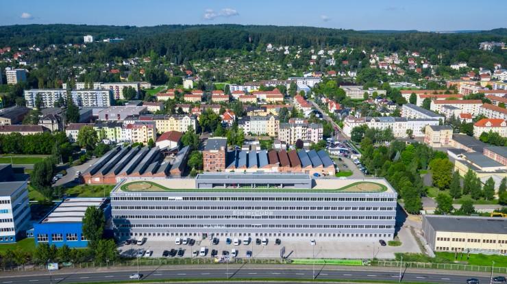 Größte Gewerbeimmobilie Geras wartet mit neuem Mieter auf:  Vivet Immobilien AG zieht in den ElsterCube