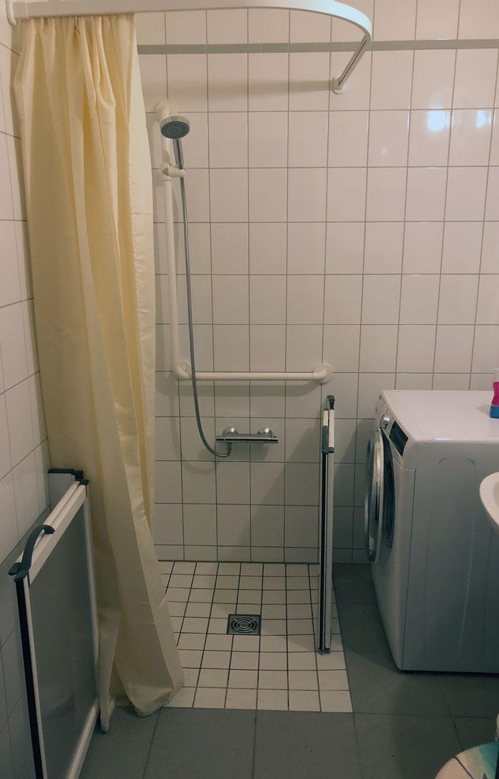 Gewusst wie: Finanzielle Förderung für barrierefreies Bad mit bodengleicher Dusche im Berliner Plattenbau
