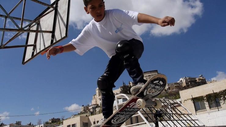??Ein Skatepark für Syriens Kriegskinder: Titus Dittmann und SOS-Kinderdörfer haben Online-Kampagne gestartet / Der Countdown läuft: Rund 72.000 Euro kamen bereits zusammen, 85.000 müssen es werden