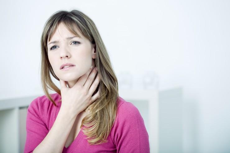 Schmerzen im Hals  was tun?  Erkältungssymptom Halsschmerz nachhaltig lindern