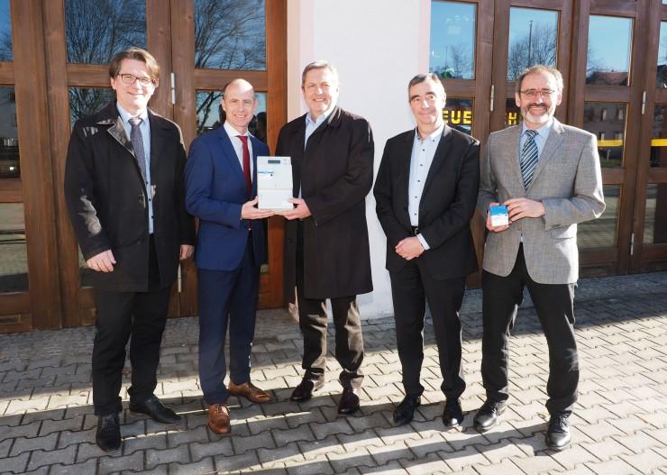 Stadt Auerbach wird zum Technologie-Pionier  das erste intelligente Messsystem des Bayernwerks geht in Auerbach in Betrieb