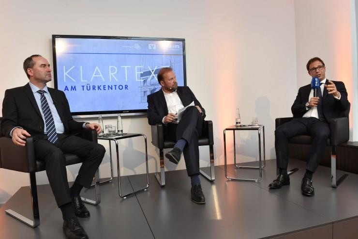 Klartext am Türkentor mit Wirtschaftsminister Hubert Aiwanger: Mittelstand macht Bayerns Wirtschaft stark