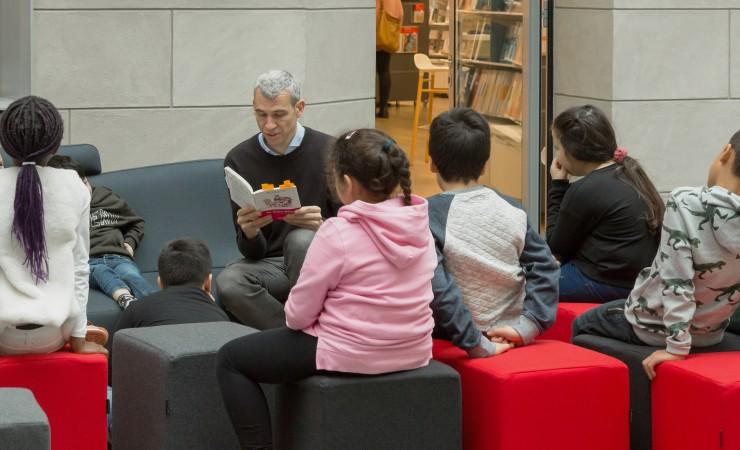 Vorleseaktion für Grundschüler im Informationszentrum Berlin