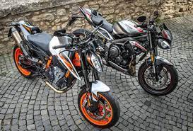 Die Klingenberger Kehl GbR bietet Original-Ersatzteile, Zubehör und Bekleidung für Triumph & KTM-Motorräder