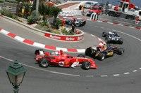 Was hat Vettel das Hamilton nicht hat? Die Nase vorn...