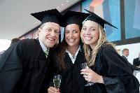 Umfrage: Karriere- und Gehaltsschub  durch einen berufsbegleitenden MBA der HHL