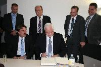 P.H. Carstensen besucht die Säule des Breitbands in Schleswig-Holstein - die sacoin GmbH