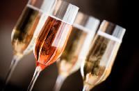 Das Webportal www.champagner24.net bietet Infos, Tipps und aktuelle Tests zu Champagner Marken