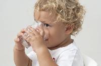 Sommer-Hitze: So trinken Babys richtig