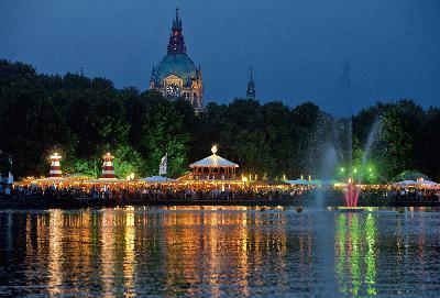 Das Maschseefest 2012 verbreitet Urlaubsflair in Hannover