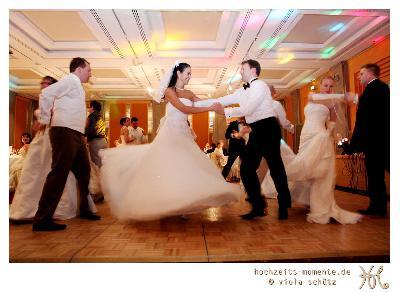 Außergewöhnliches Hochzeitsgeschenk: Der Brautkleiderball