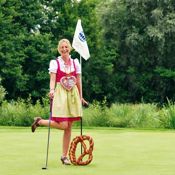 Golfen in Dirndl und Lederhose in Bad Griesbach am 01.09.2012