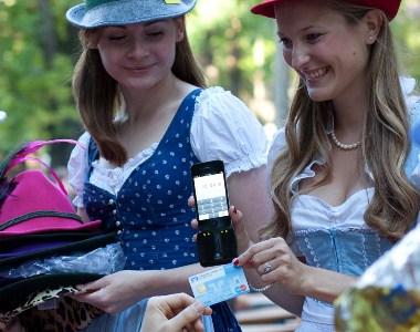 iPhone als Zahlungsterminal - Münchner Startup payworks ermöglicht bargeldloses Bezahlen auf dem Oktoberfest 2012