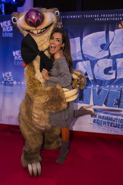 Superstar Sid überglücklich nach gelungenem Deutschland-Auftakt: Prominenz begeistert von mammutiger Gala-Premiere ICE AGE LIVE!