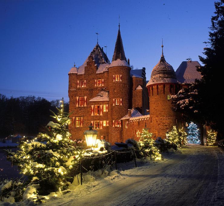 Historische Burgweihnacht auf Burg Satzvey bei Köln