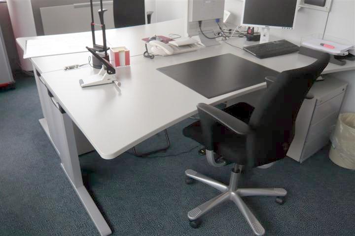 Büromöbel Düsseldorf: Räumungsverkauf von gebrauchten Büromöbel in hohen Stückzahlen