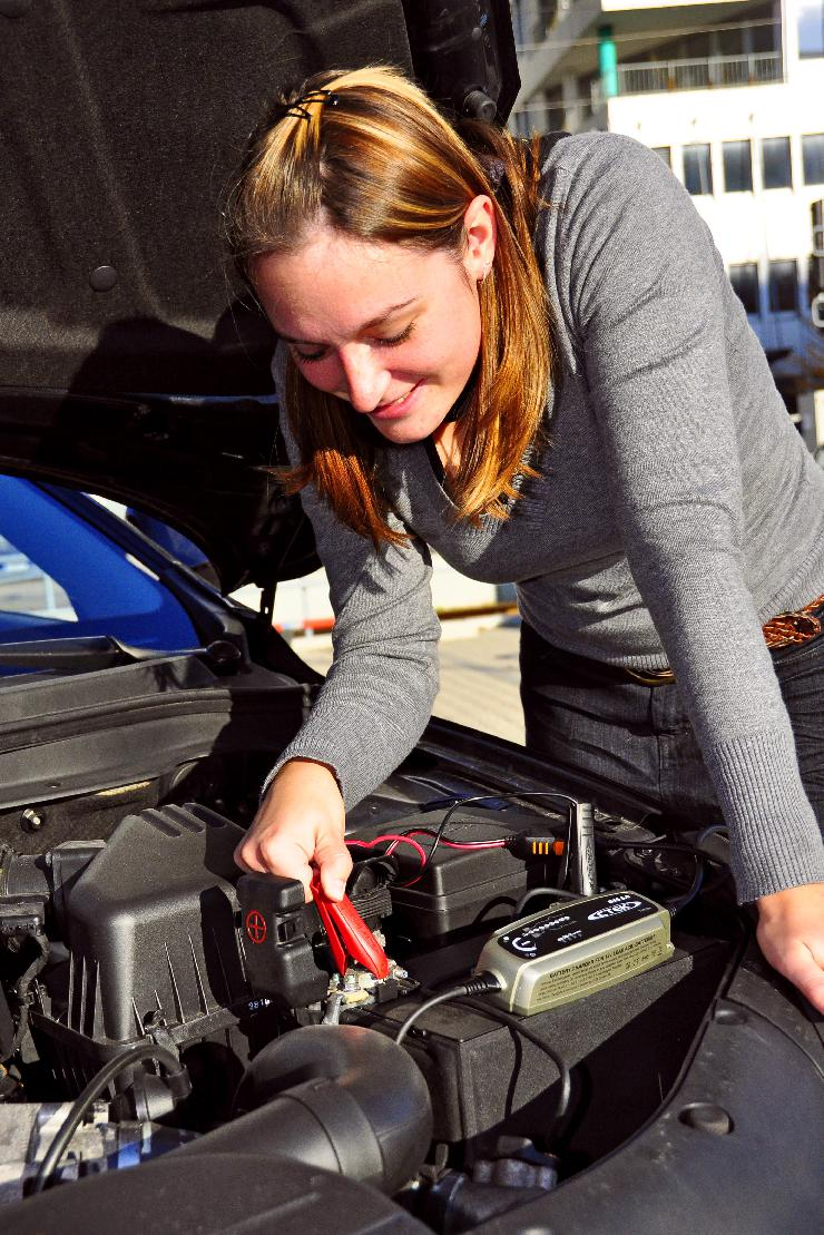 GTÜ: Batterie im Winter regelmäßig prüfen
