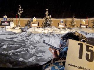 Kampf um Sekunden und Ringe beim Schneeschuh-Biathlon der