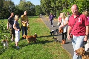 Am Ostermontag gemeinsam mit dem Hund entlang am Main