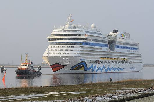 Countdown läuft: Neues Kreuzfahrtschiff AIDAstella wird am Samstag in Warnemünde getauft